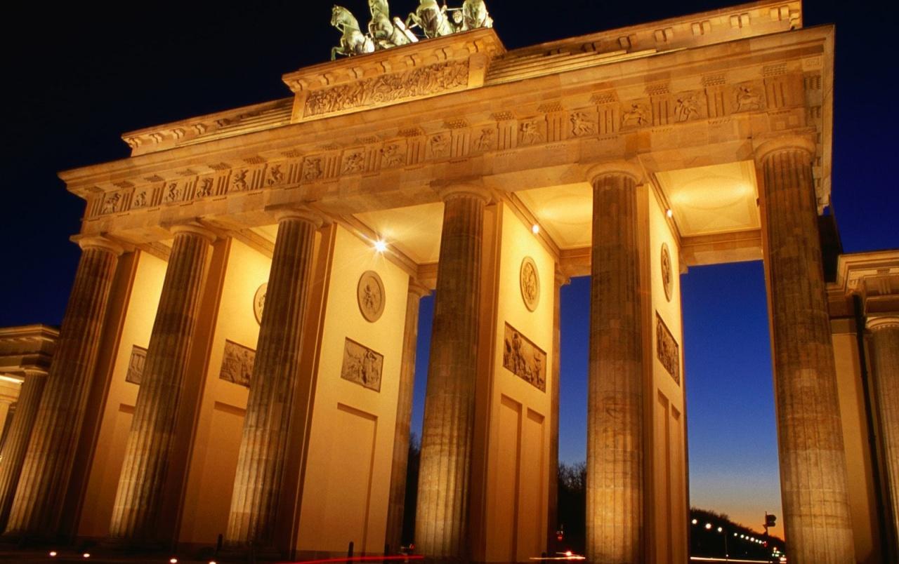 Brandenburg Gate Wallpaper 12   1280 X 804 stmednet 1280x804