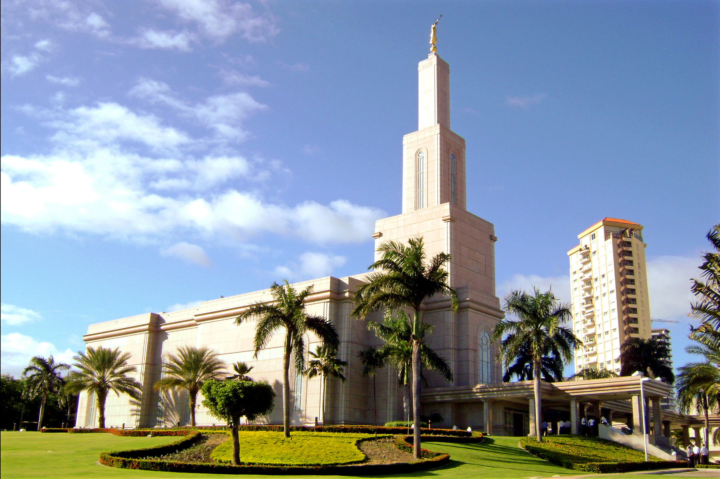 Santo Domingo Dominican Republic Temple 2404x1600