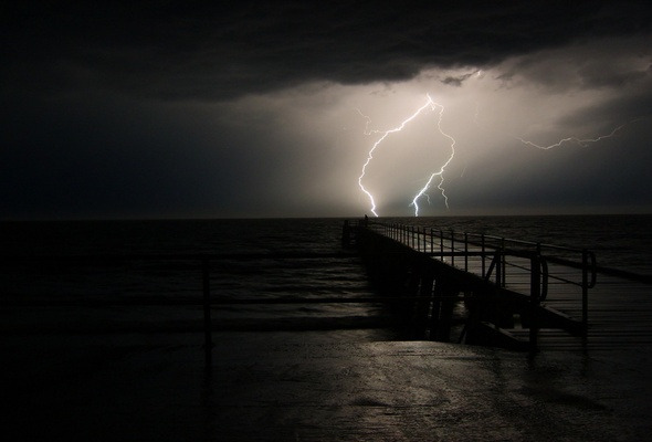 Thunderstorm Wallpaper 590x400