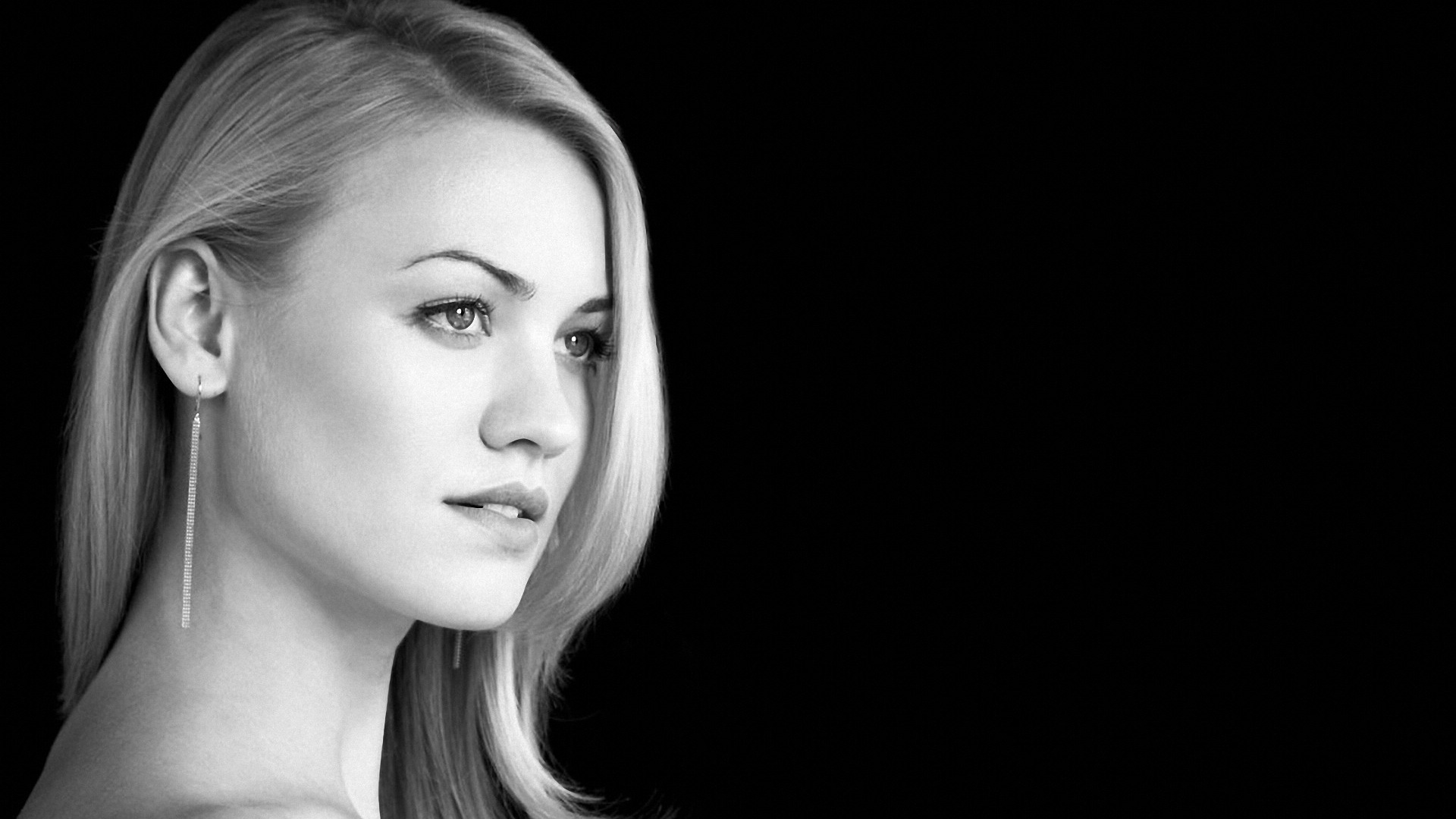 Yvonne Strahovski Graceful wallpapers Yvonne Strahovski Graceful 1920x1080