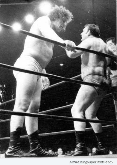 Andre The Giant Looking At Opponent   WWE Superstars WWE 391x550