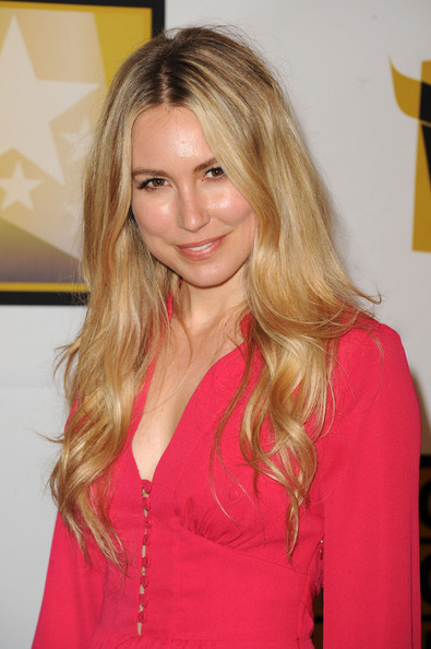 Gallery Hot Pictures Sarah Carter   Wallpaper Image 395x594