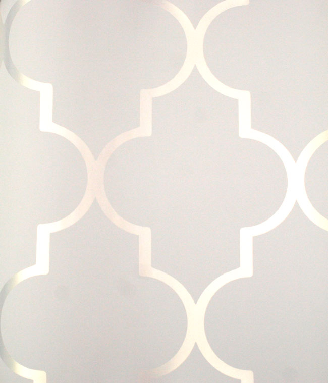 Silver Reflective Alahambra on White Contemporary wallpaper is 650x759