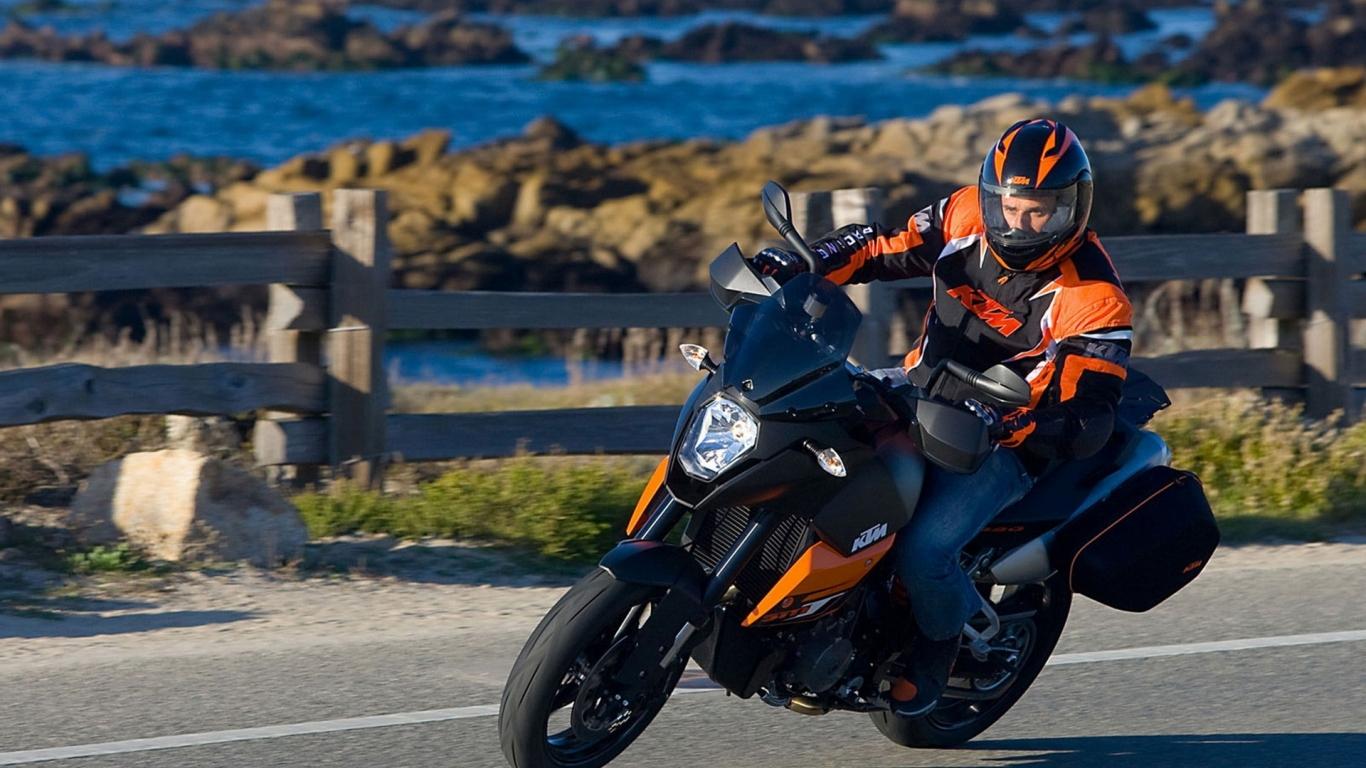 select set as desktop background desktop wallpapers motocycles 1366x768
