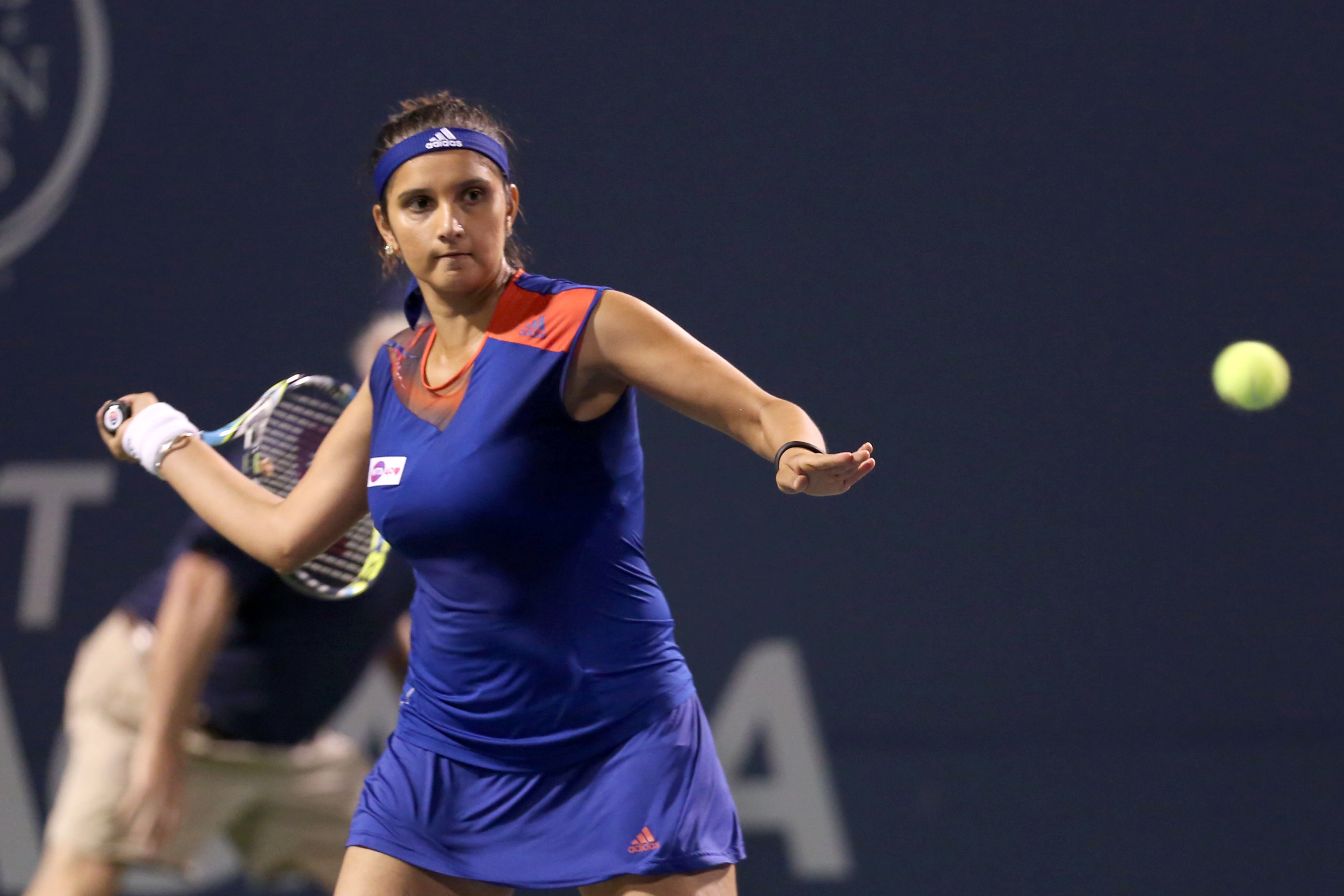 Oops Moment Of Tennis Players Sania Mirza