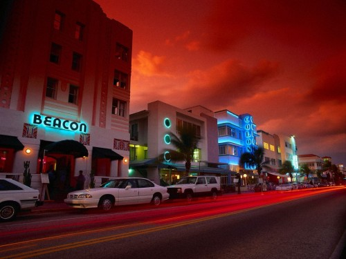 Miami Beach night Screensaver Screensavers   Download Miami Beach 500x375