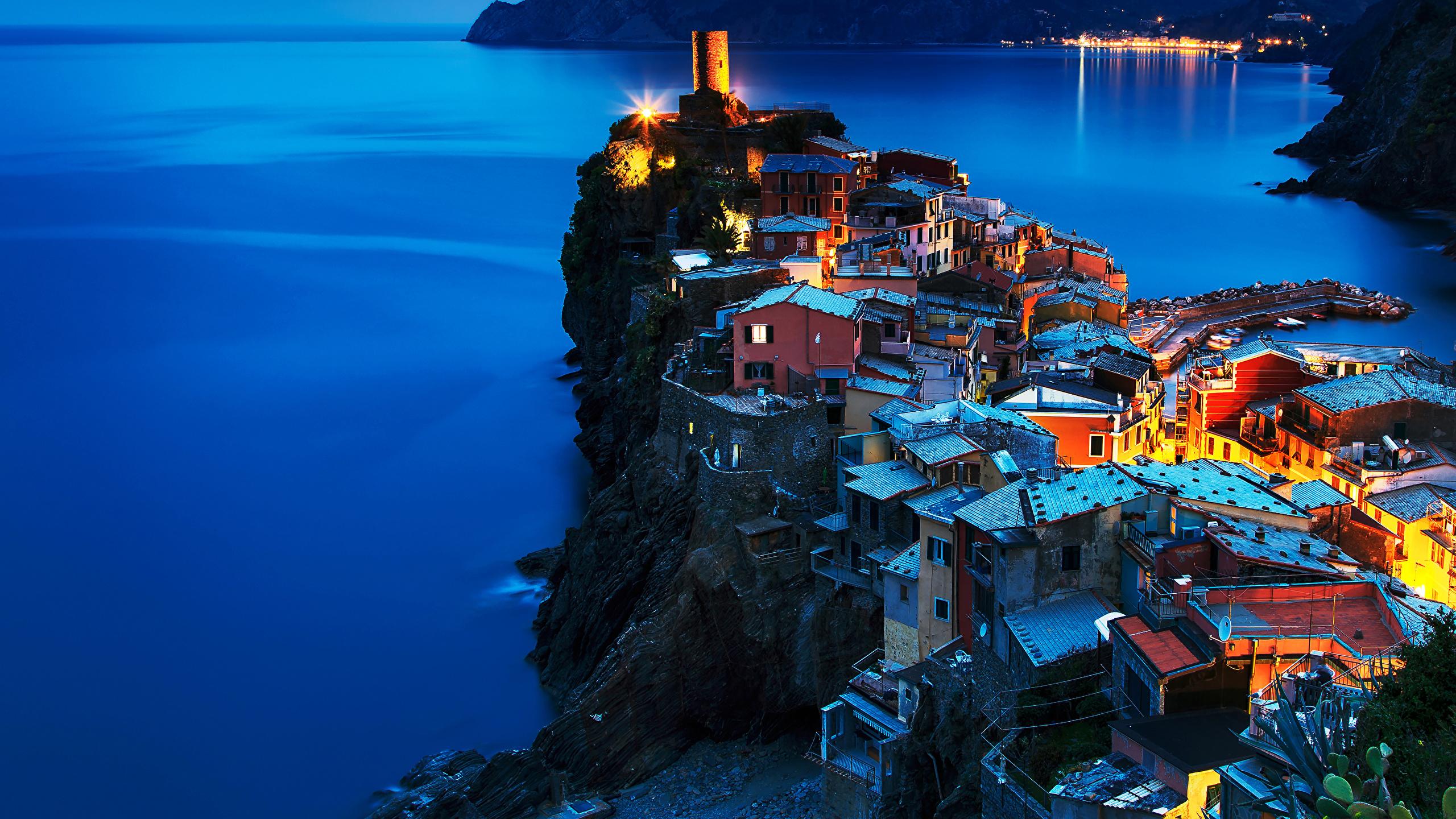 Pictures Vernazza Cinque Terre park Italy Rock Coast night 2560x1440 2560x1440