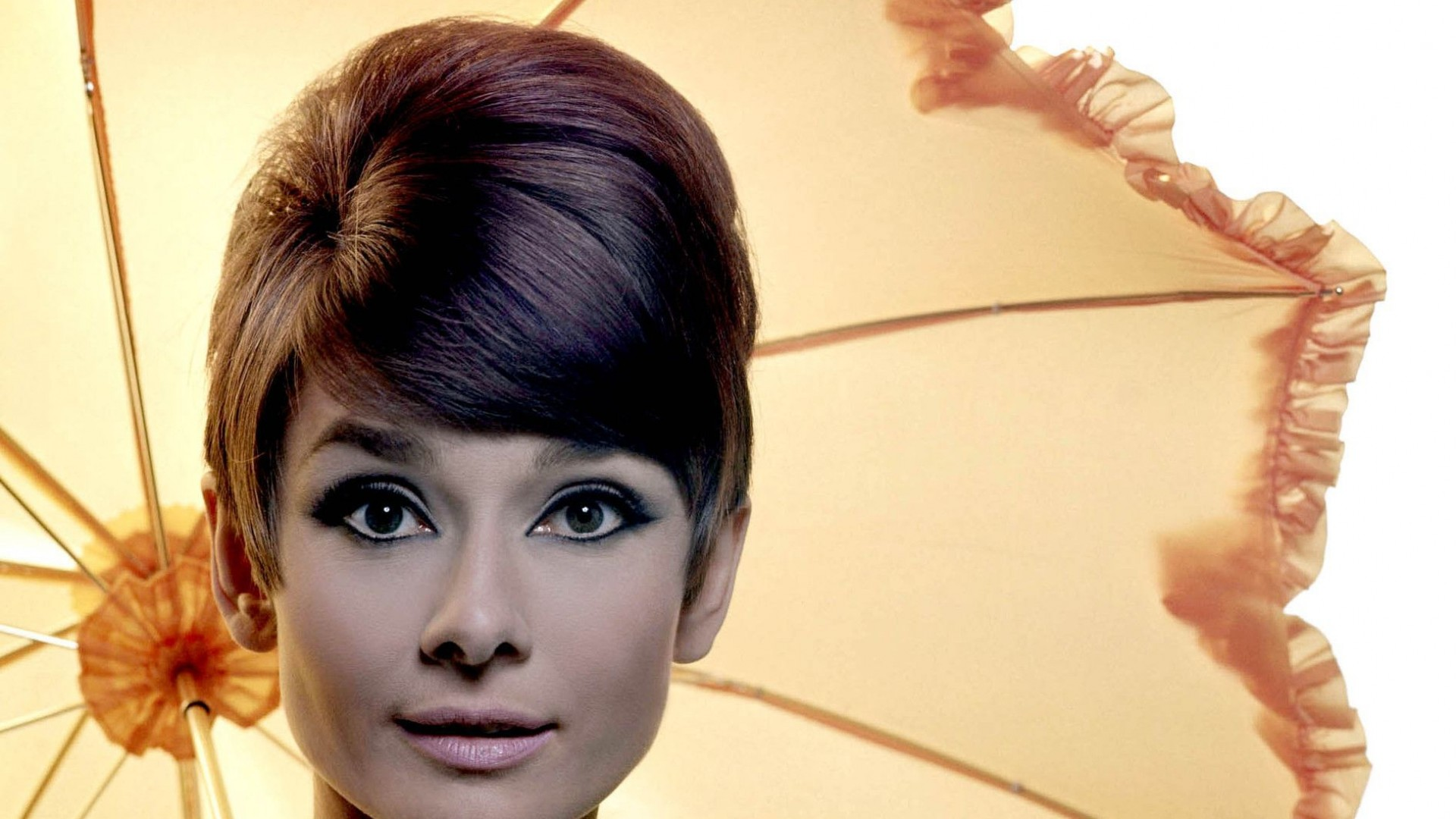 Audrey Hepburn Desktop Backgrounds   Wallpaper High 1920x1080