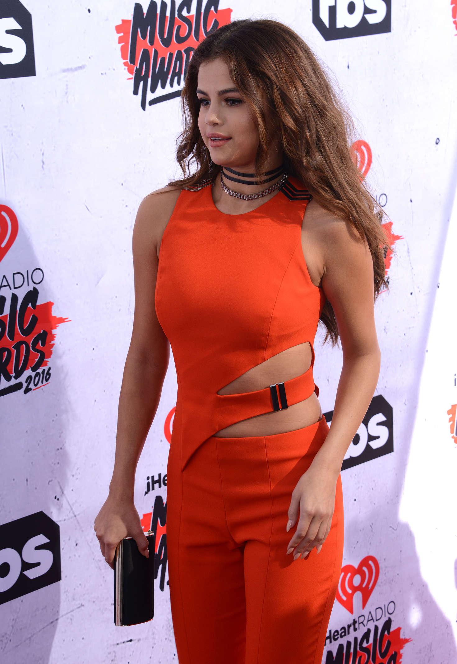 Selena Gomez iHeartRadio Music Awards 2016  03   GotCeleb 1470x2136