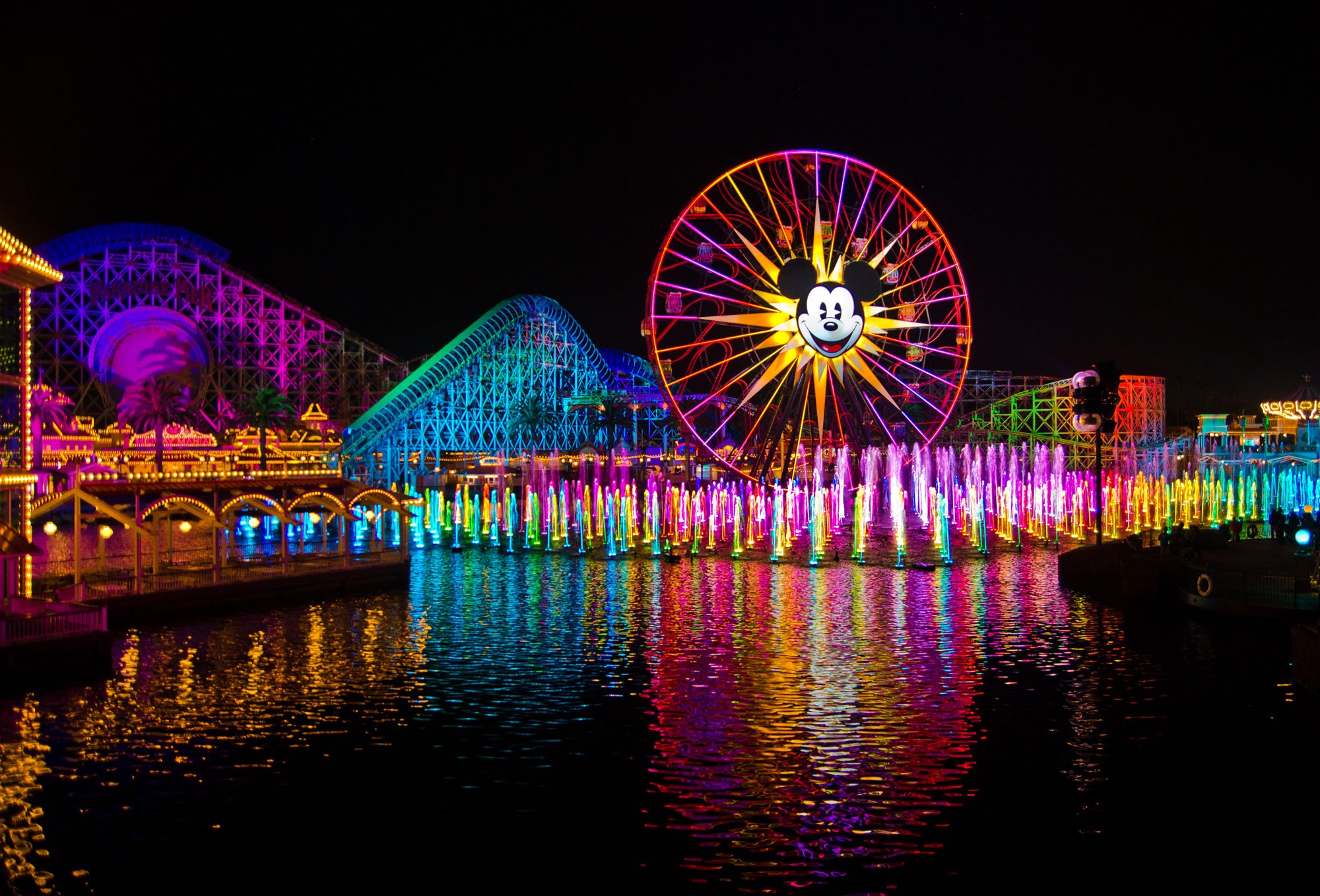 Mouseplanet World of Color Desktops by Frank Anzalone