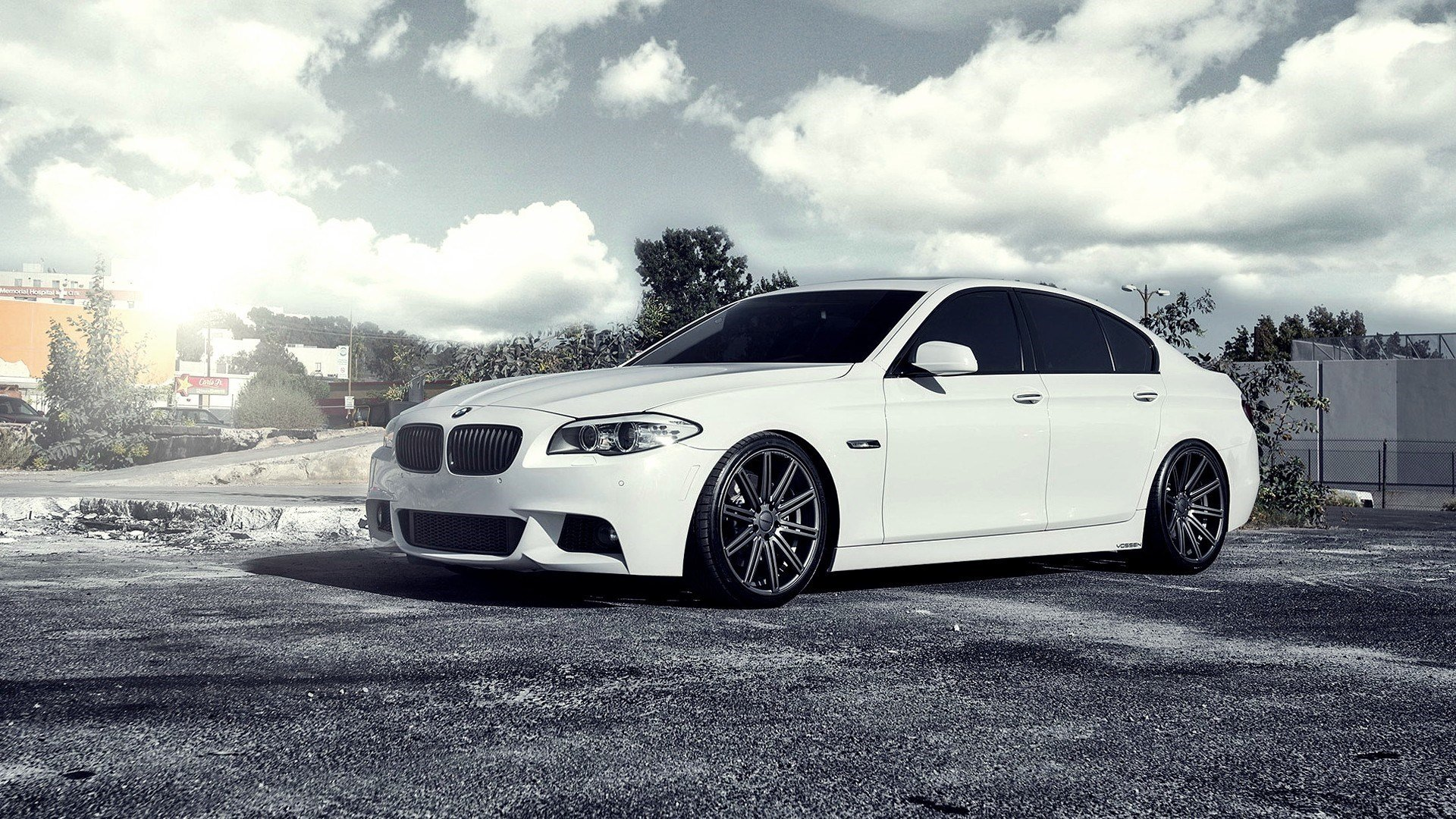 Белый BMW M5  № 445155  скачать