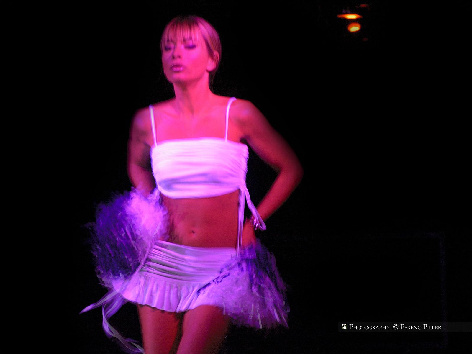 Wallpaper Cheerleader Erotikshow Erotikmesse Mnchen 095 1600x1200 1600x1200