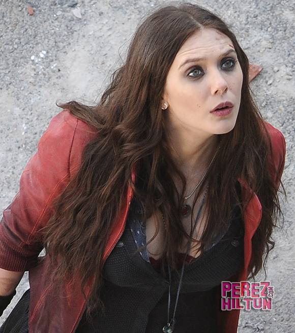 First look at Elizabeth Olsen as Scarlet Witch Aaron Taylor Johnson 580x656