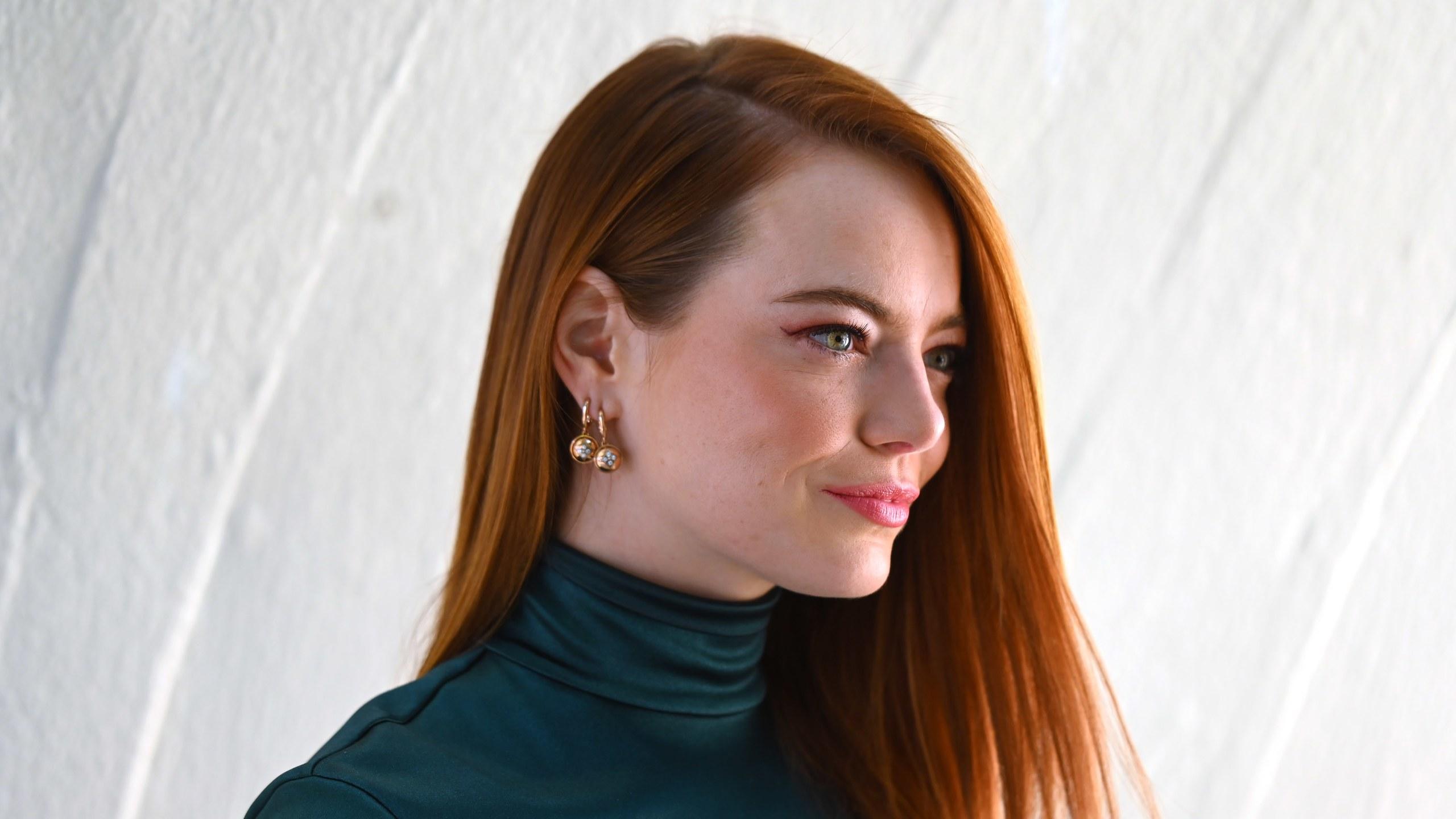 Emma Stone Had a Major Hair Transformation to Play Cruella de Vil 2560x1440
