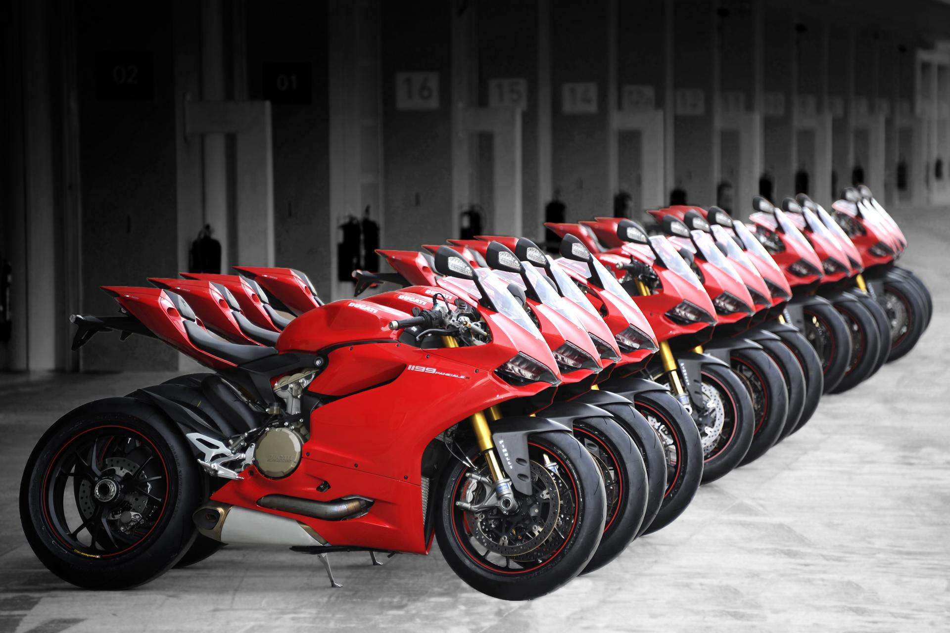 Ducati 1199 Panigale S Photoshoot Wallpapers HD 1920x1280