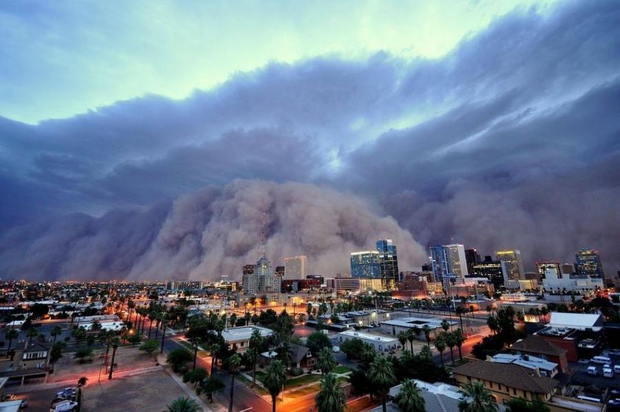 dust storm Haboob roared through Phoenix Arizona by dan bryant 900x598