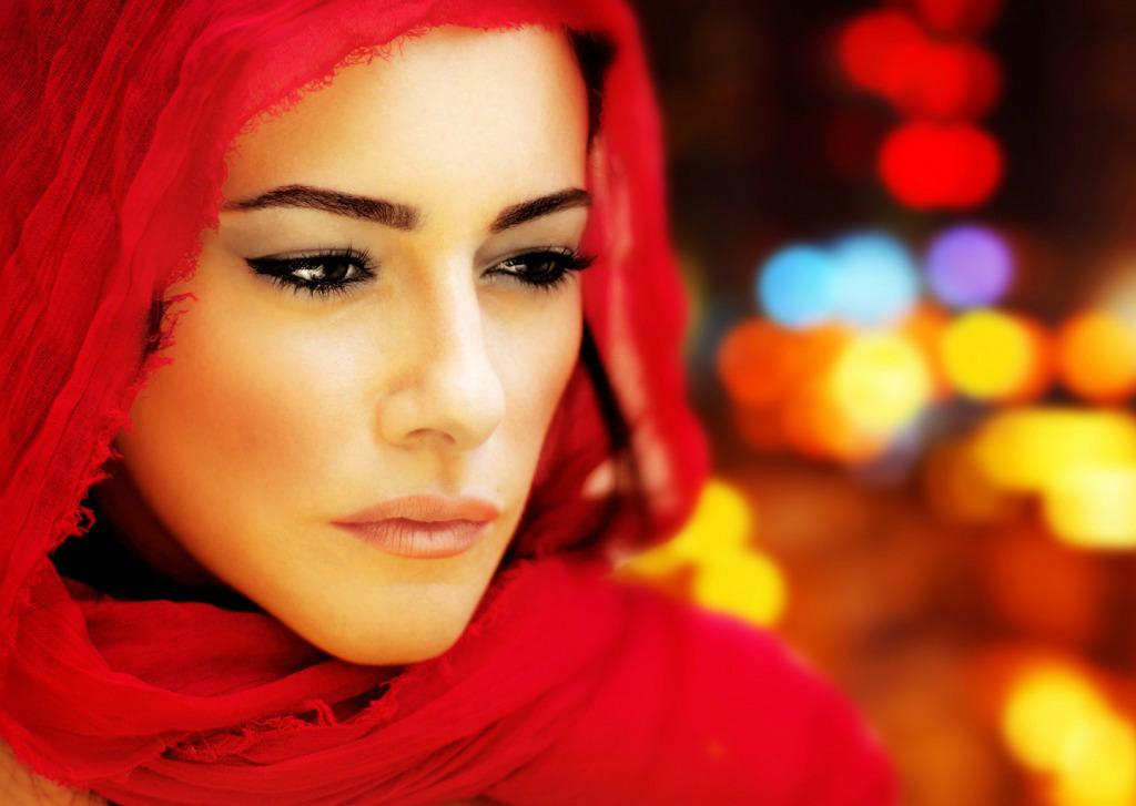 Hot and Sexy Arab Girls Wallpaper 1024x727