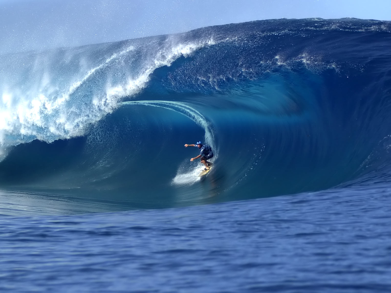 Some of the best surfing on Earth Click through for image source 1600x1200