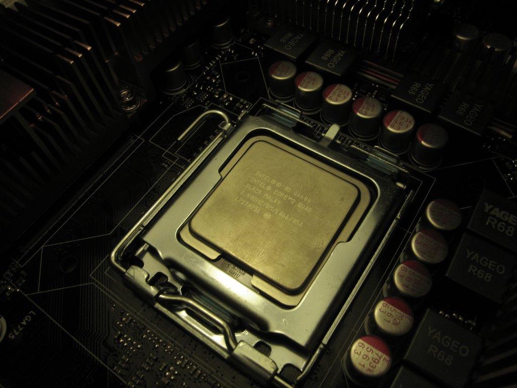 Core 2 Quad Q6600 Cpu   Quad Core Intel Core Intel Cpu Intel Quad 1024x768