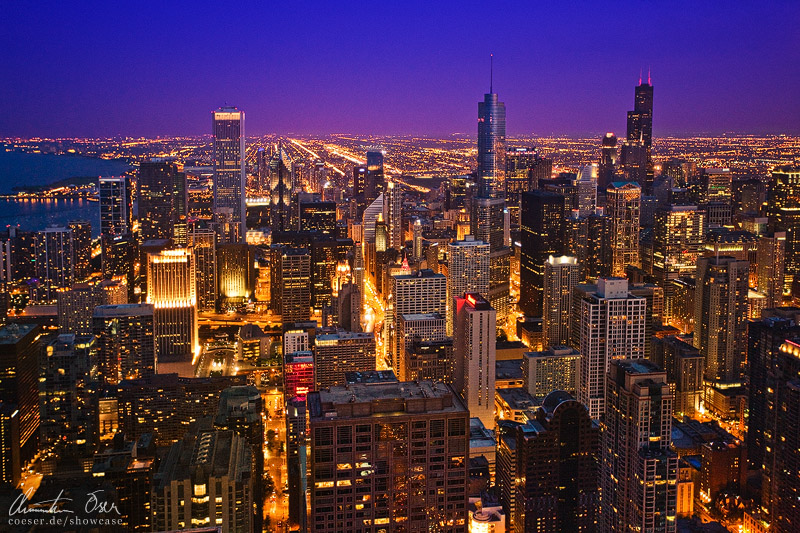Chicago skyline at night v2 by Nightline 800x533
