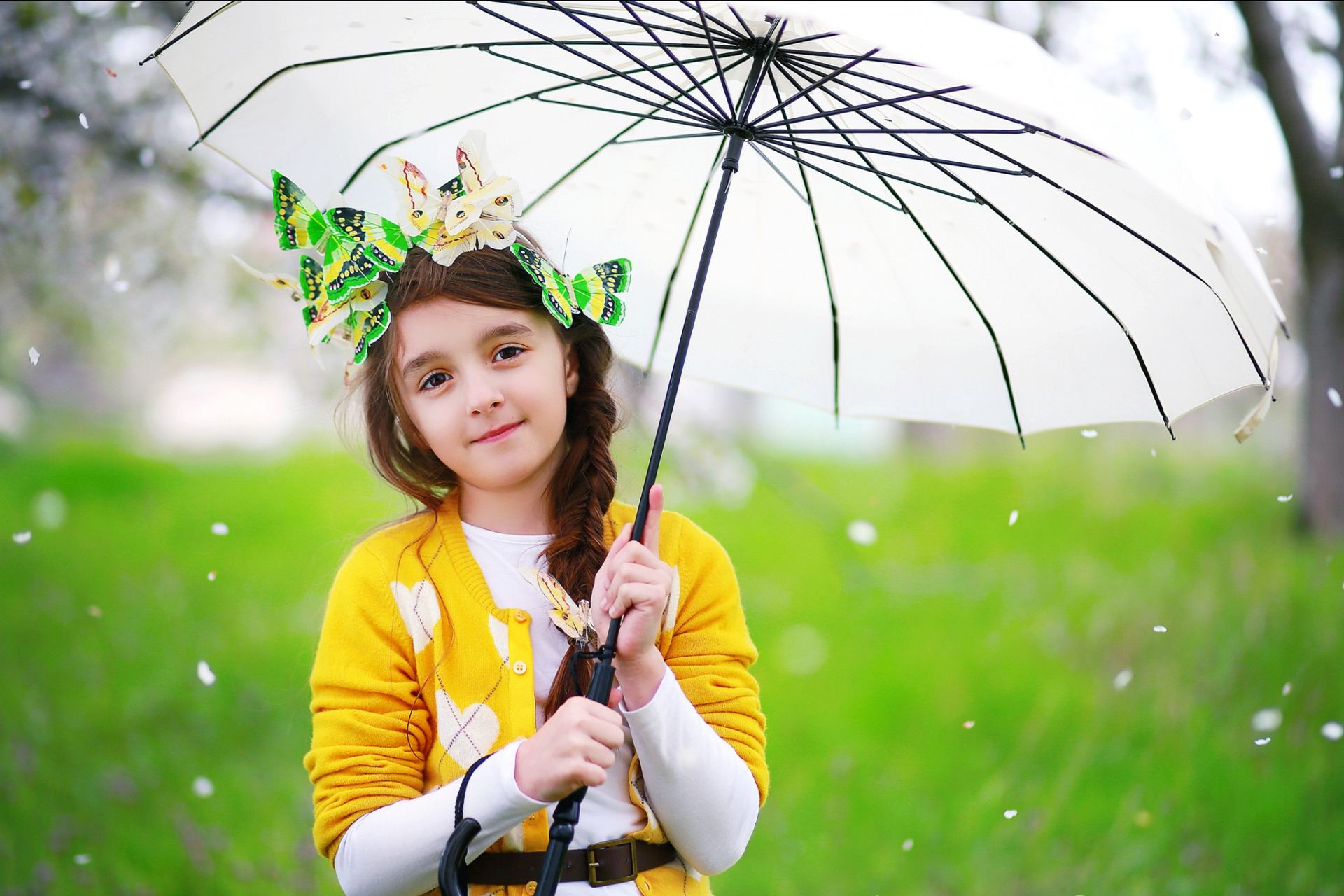 image of baby girl with white umbrella free download girls wallpapers 1920x1280
