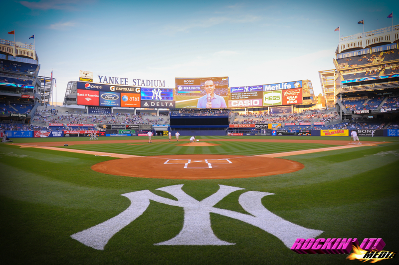 yankee stadium photographer hire new york city nyc nyrockinitmedia 800x532