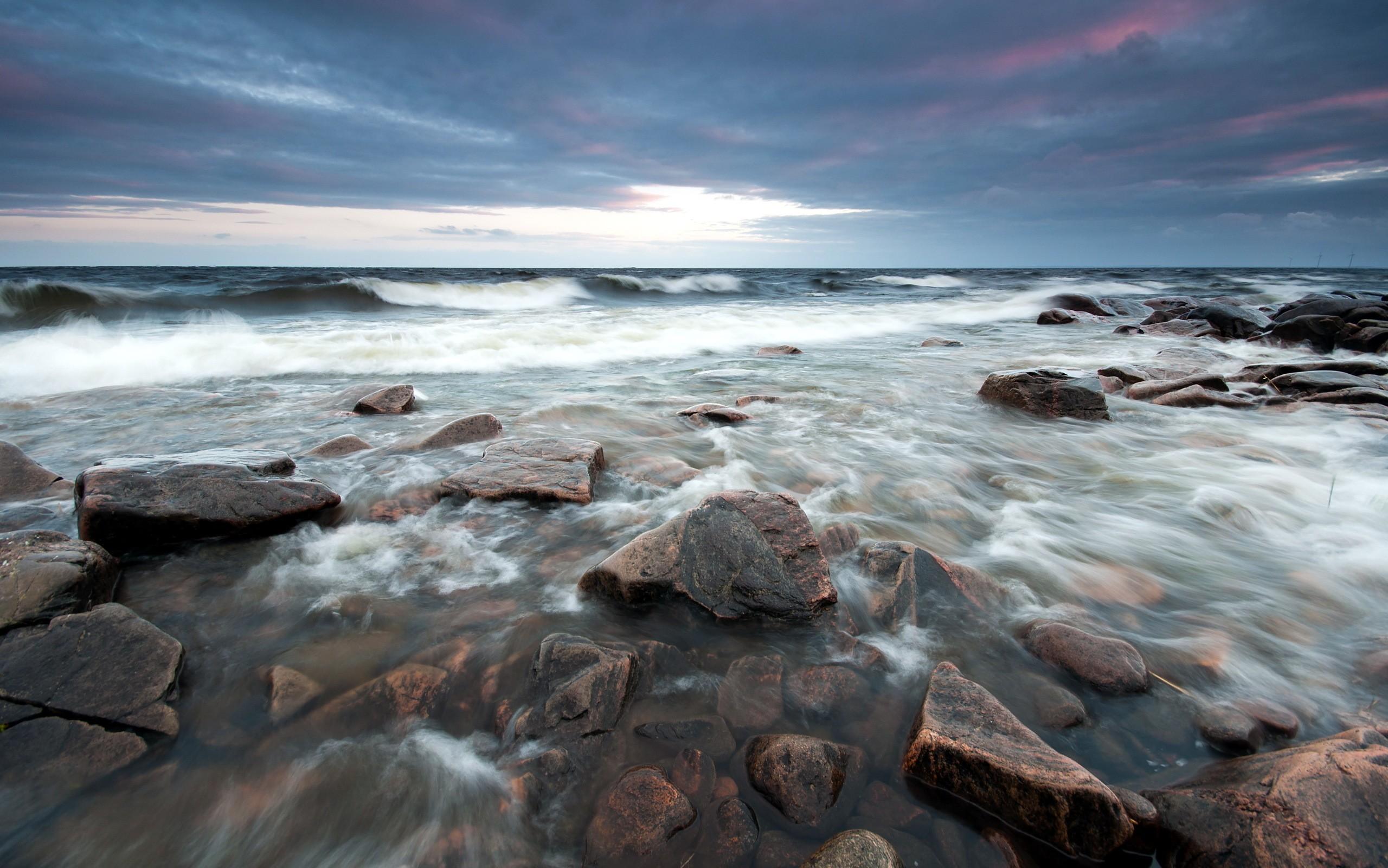 Stony Beach Waves wallpaper 2560x1600 31886 2560x1600