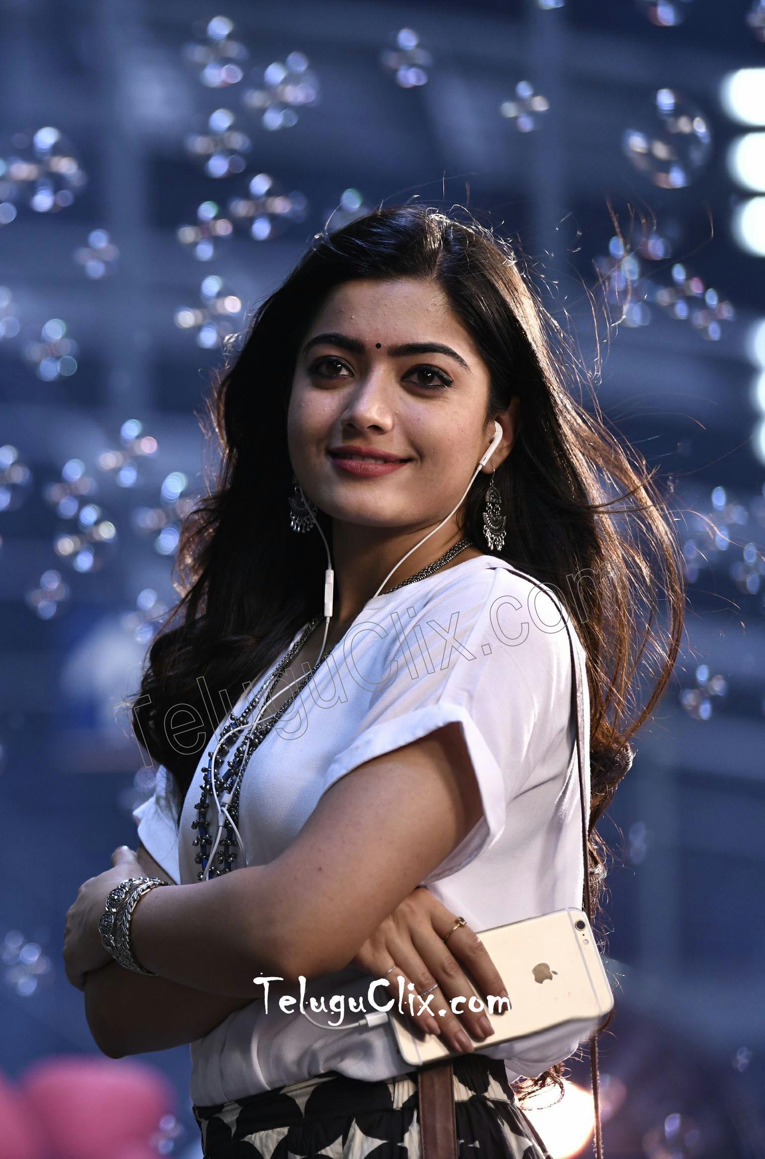 Rashmika Mandanna HD Wallpapers   Top Rashmika Mandanna HD 1540x2333