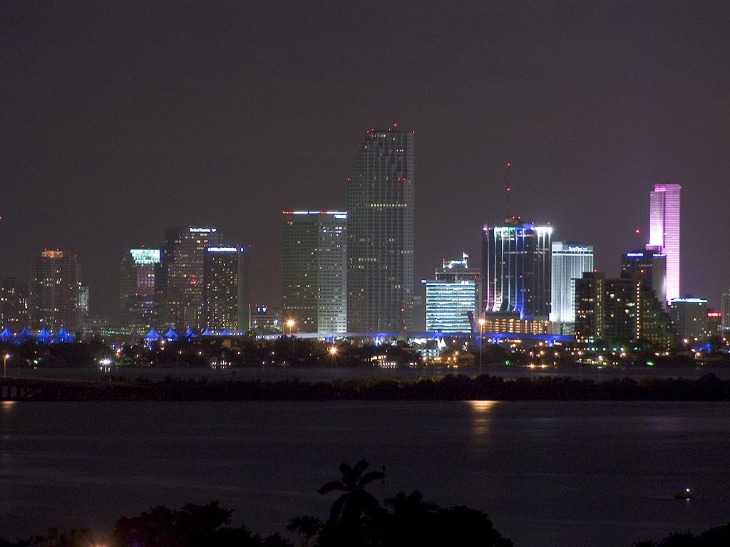 Downtown Miami wallpaper 1024x768