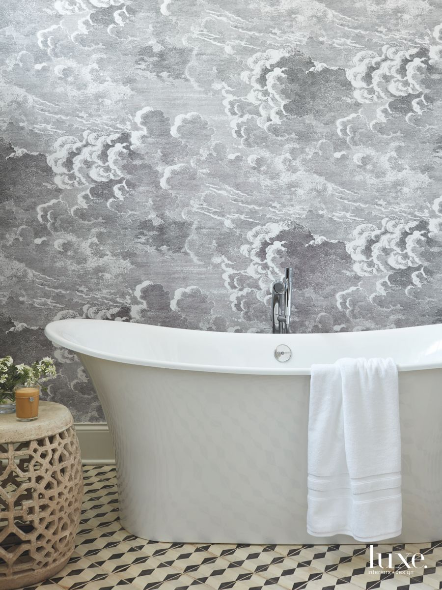 Black and White Bathroom with Cloud Wallpaper Pattern and Soaking 900x1200