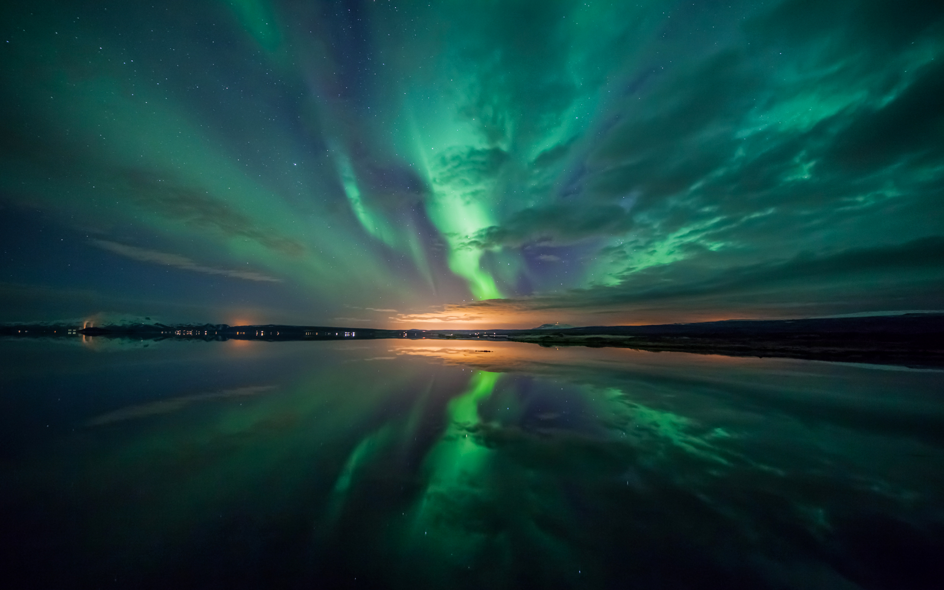 Aurora over Lake Wallpapers HD Wallpapers 1920x1200