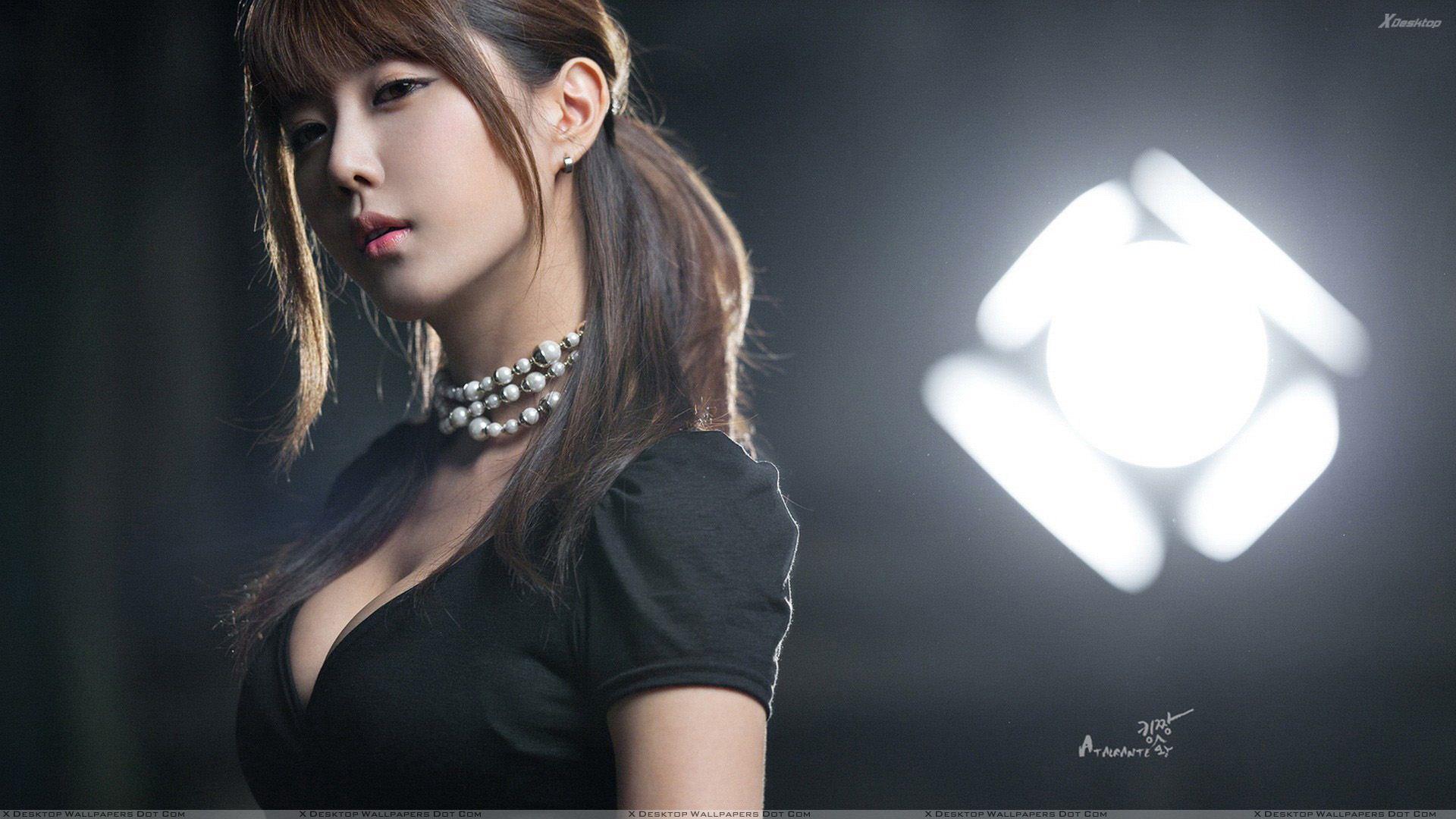 Free Download Heo Yun Mi Cute Korean Girl In Black Dress Side Pose