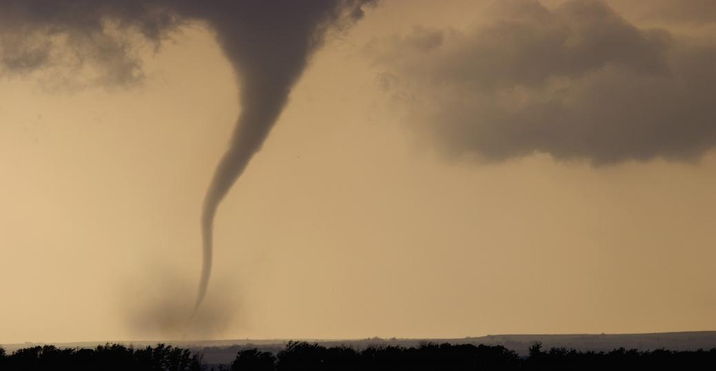 tornadoes Here a F3 class twister rips through Arnett OK in 2007 1038x539