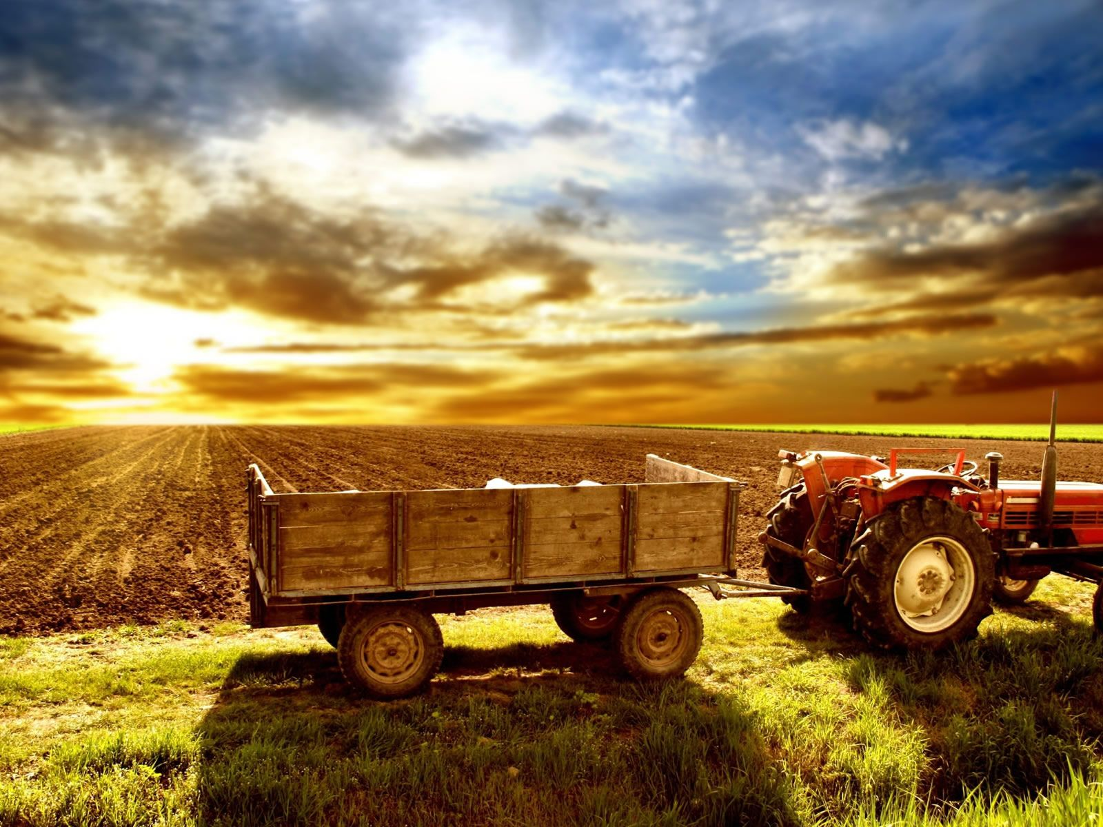 Tractor HD Background Beautiful farm Tractors Country farm 1600x1200