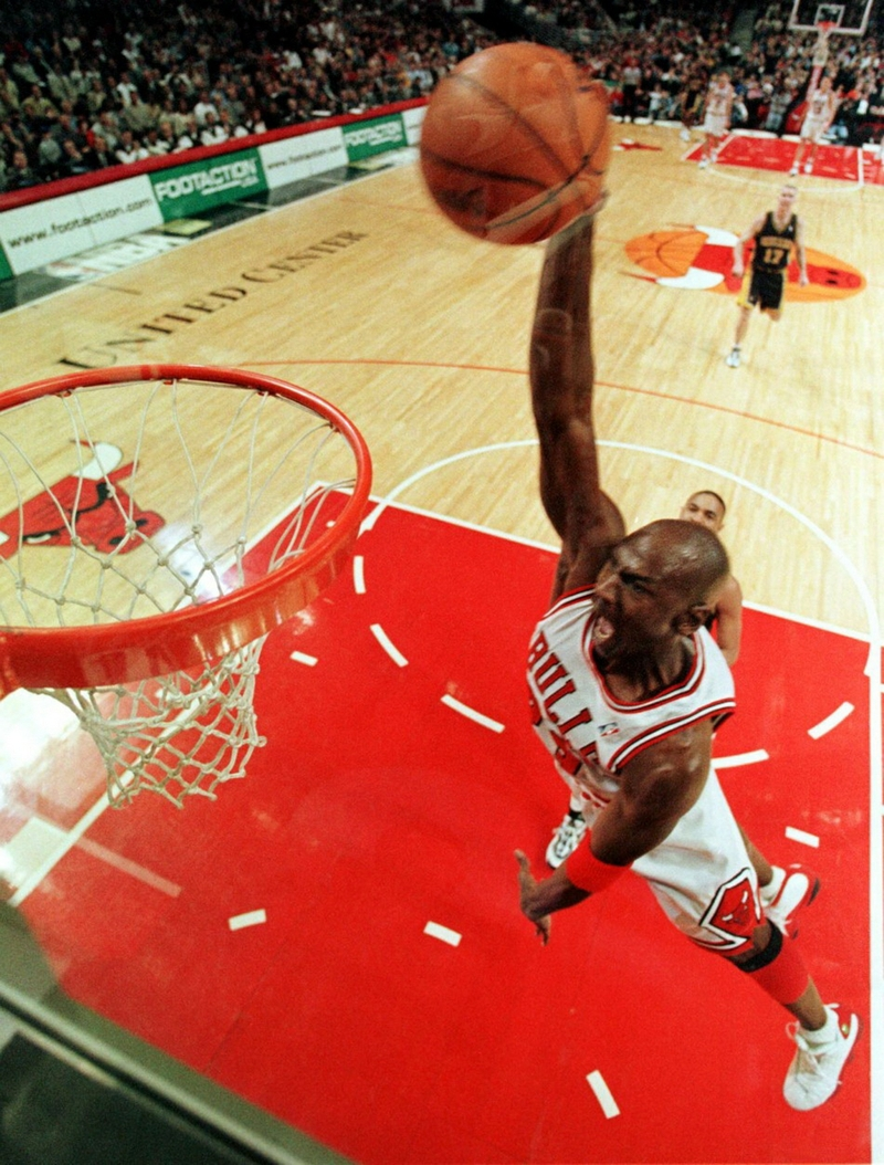 jordan michael jordan chicago bulls dunk 1902x2508 wallpaper People 800x1054
