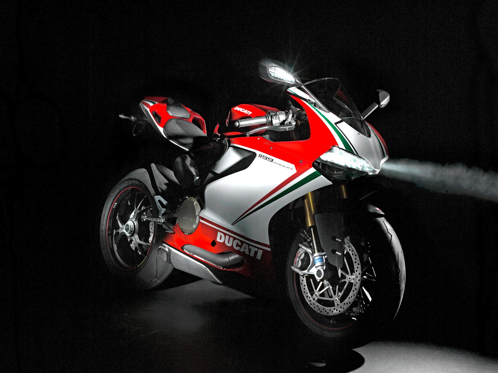 All bout Cars Ducati 1199 Panigale 1600x1198