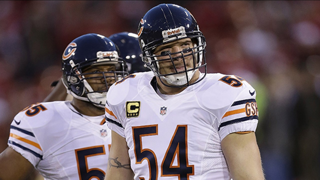 Former Chicago Bears player Brian Urlacher inducted into Pro 1300x732