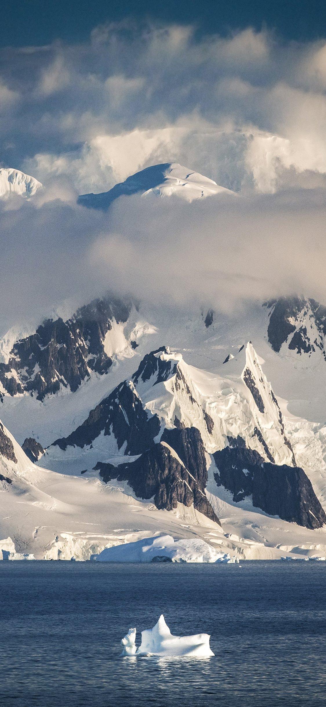 Wallpaper   Epic Antarctica   Paul Zizka Photography 1125x2436