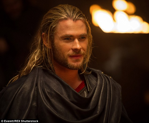 Chris Hemsworth reveals he is learning Spanish to answer 634x525