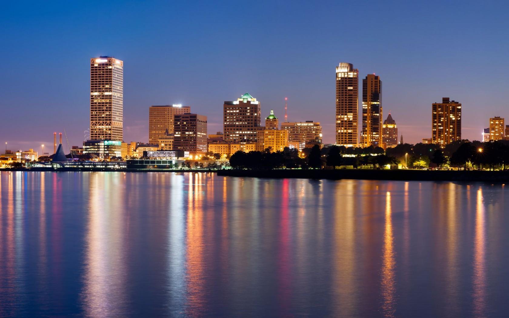 Milwaukee 17989 1680x1050px 1680x1050