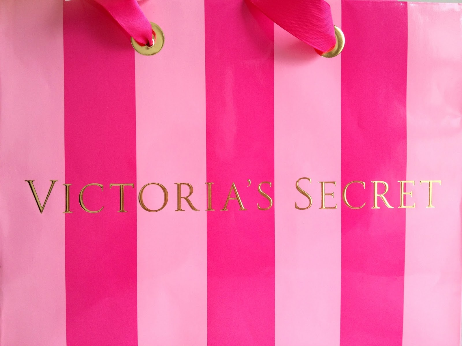 Love Pink Wallpaper Victorias Secret Even though its not supposed 1600x1200