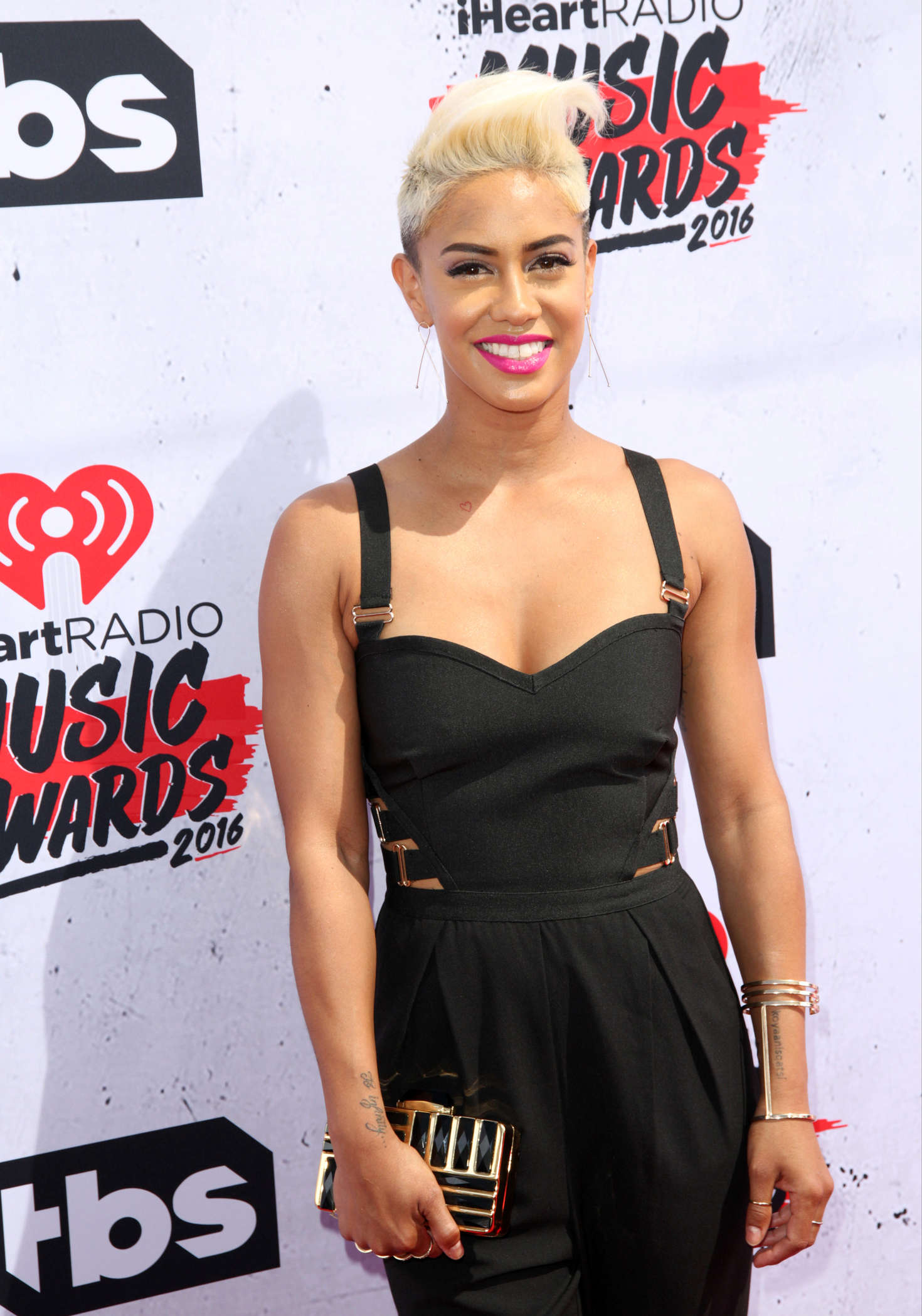 Sibley Scoles   iHeartRadio Music Awards 2016 in Los Angeles 1470x2099
