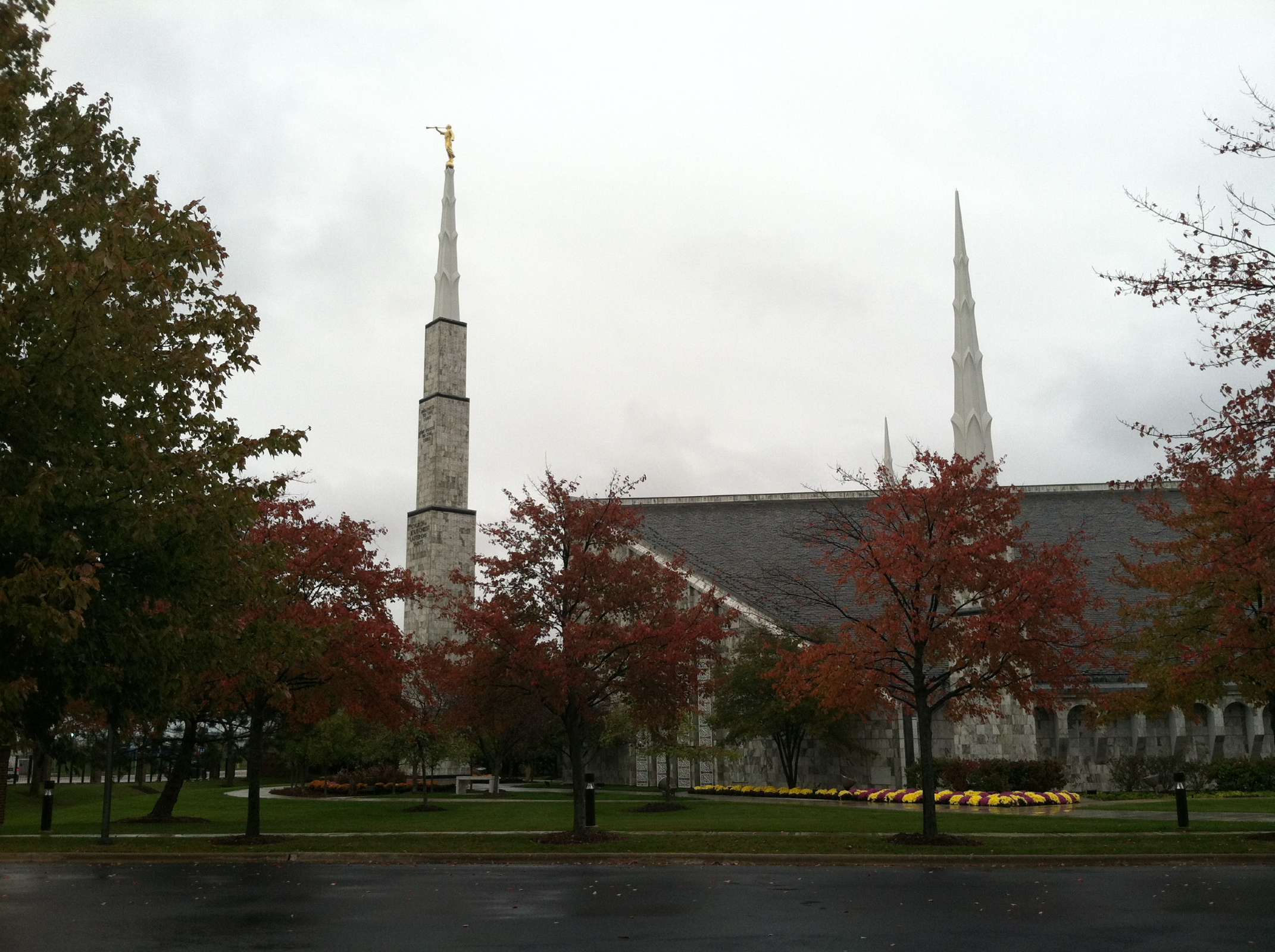 The Chicago Illinois Temple in Fall 2142x1600