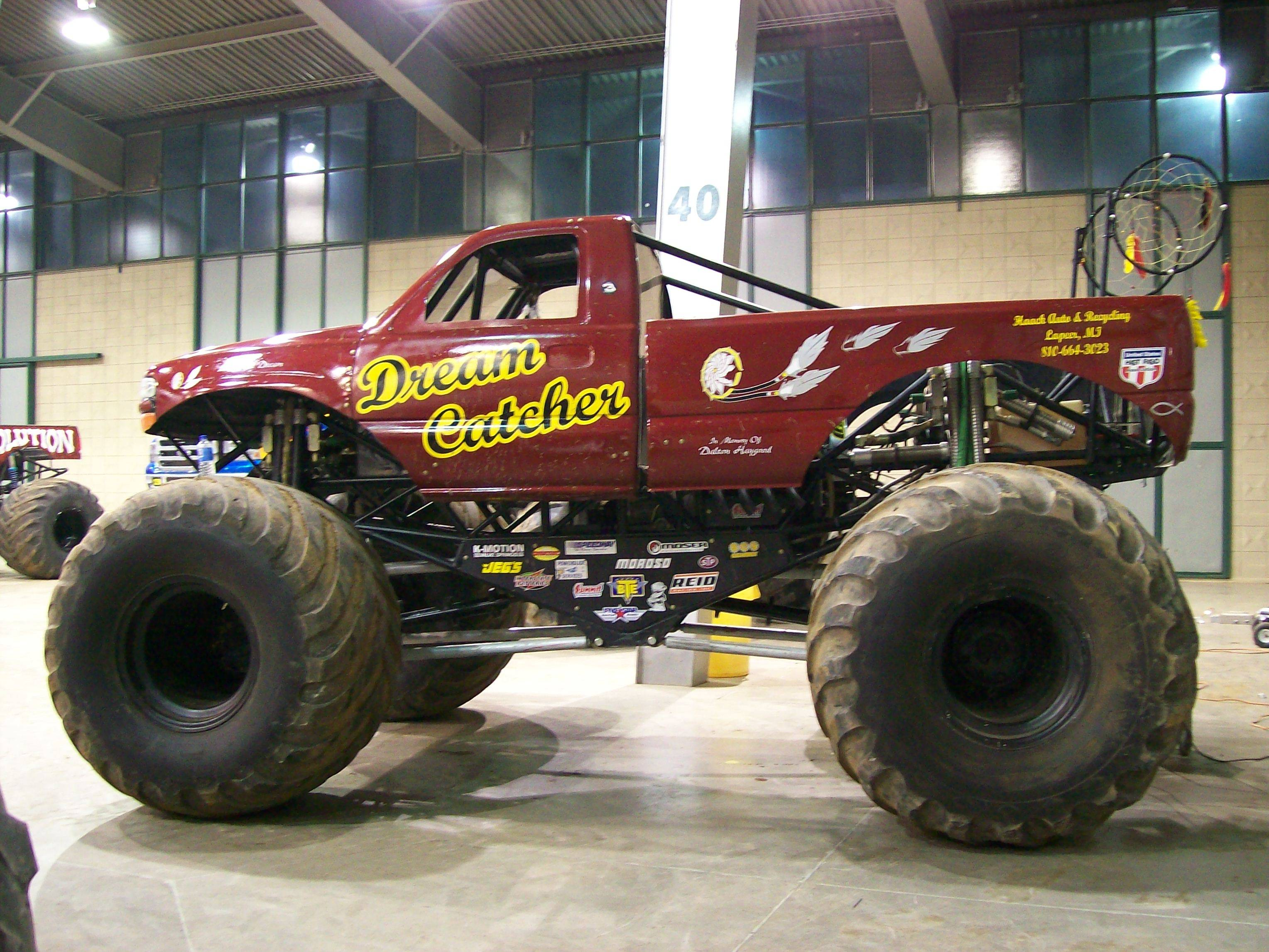 Monster Trucks Wallpapers 3056x2292