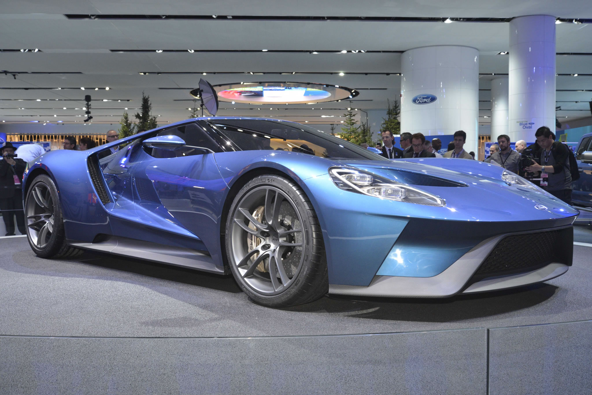 ford gt supercar red color wallpaper resolution ford gt 700 supercar 2048x1367