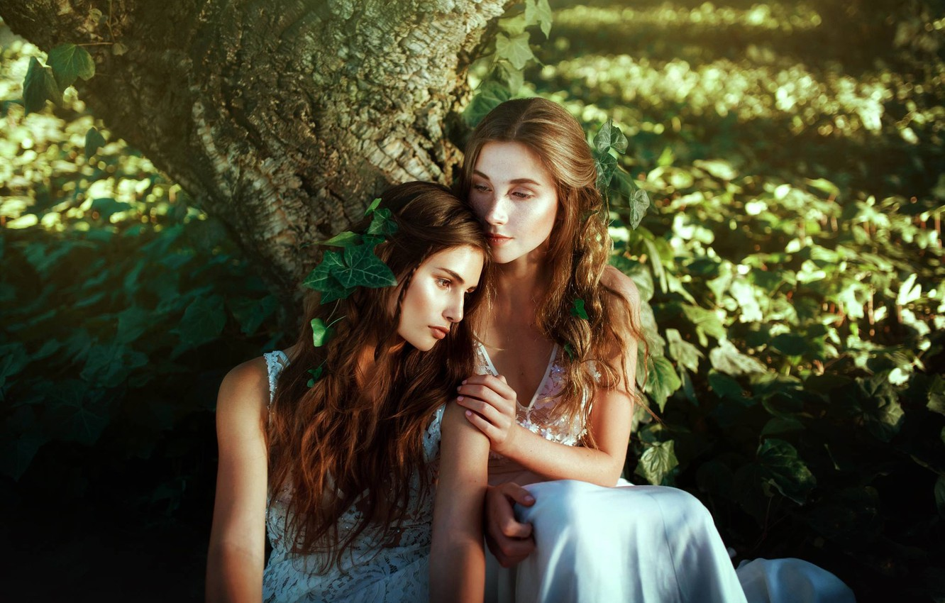 Wallpaper tree mood two girls Marie Lau Monse Chestnut images 1332x850