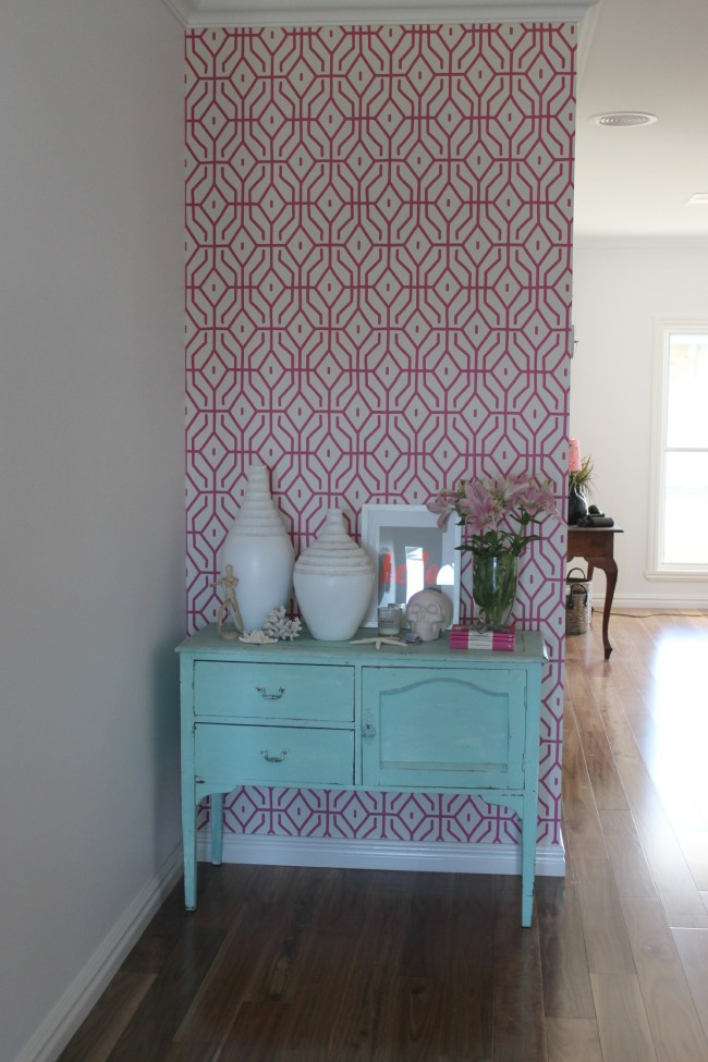 The wallpaper in my house pink trellis the world map PLUS a 650x975