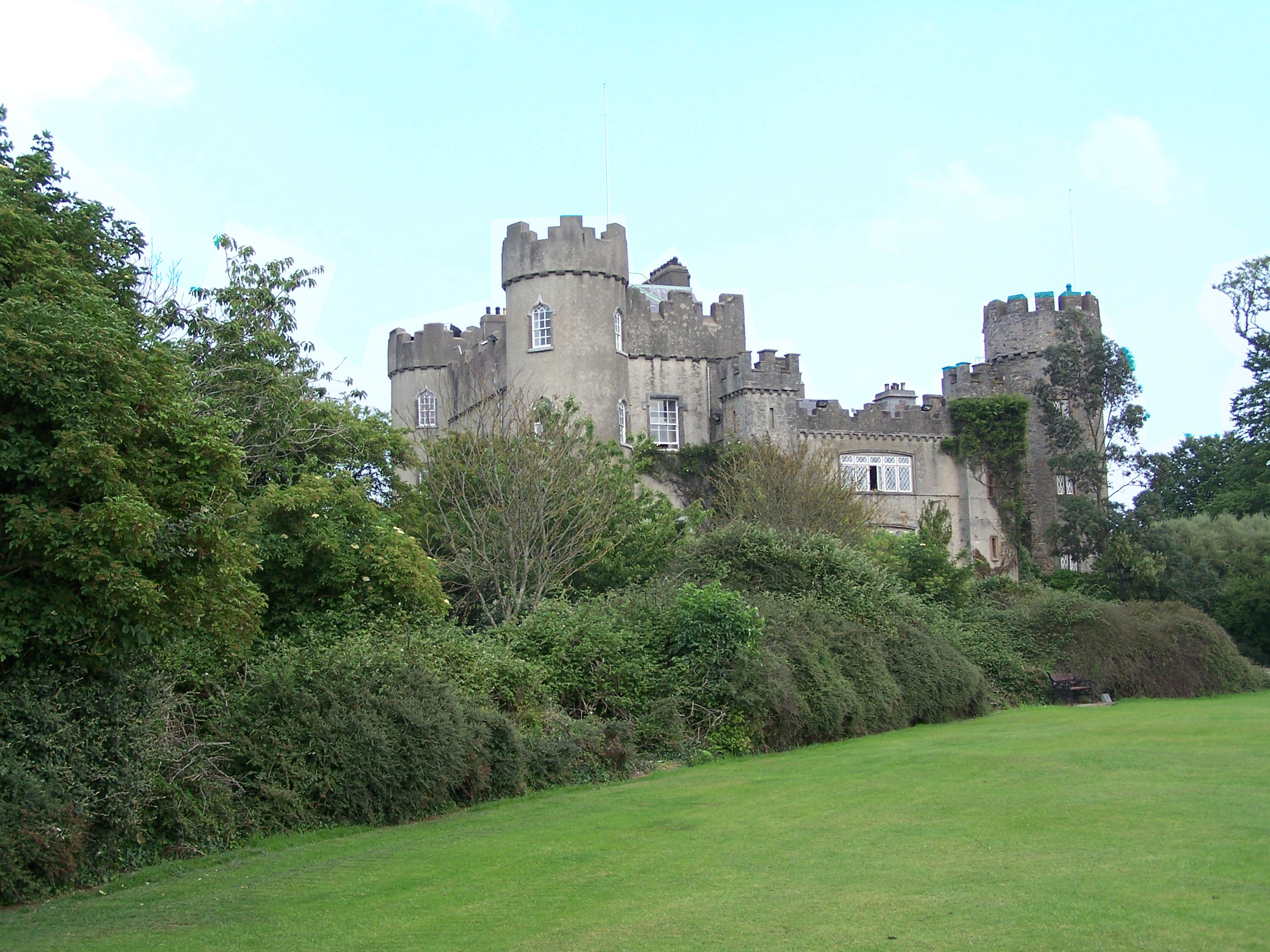 Wallpaper downloads windows wallpaper Malahide Castle   Dublin 2576x1932