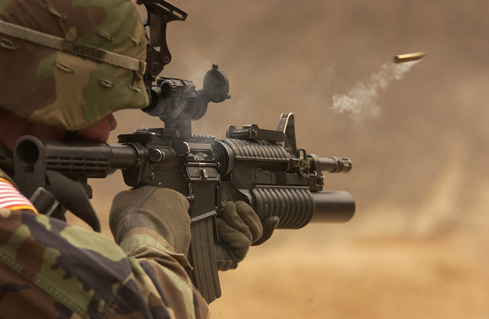 Awesome M4 Carbine and Girls HD Wallpapers Military WallBase 1600x1043
