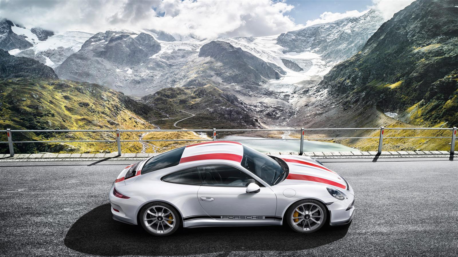 Fahrstunde im neuen Porsche 911 R gefllig   Motorblock 1600x900